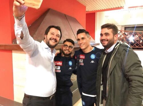 Napoli, nota su Salvini: