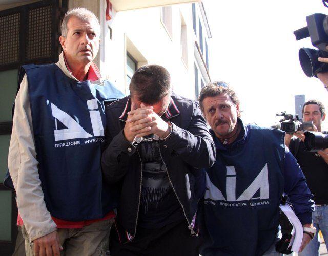 arresti afragola contrabbando sigarette 22 gennaio nomi