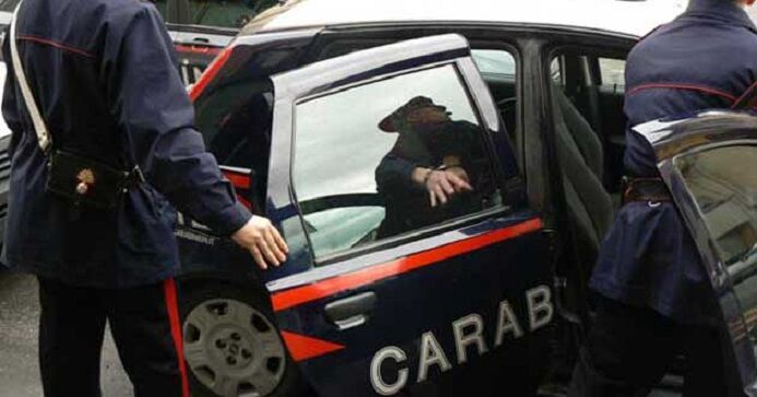 Maddaloni. Tentano di rubare del liquore ma i carabinieri li colgono con le mani nel sacco