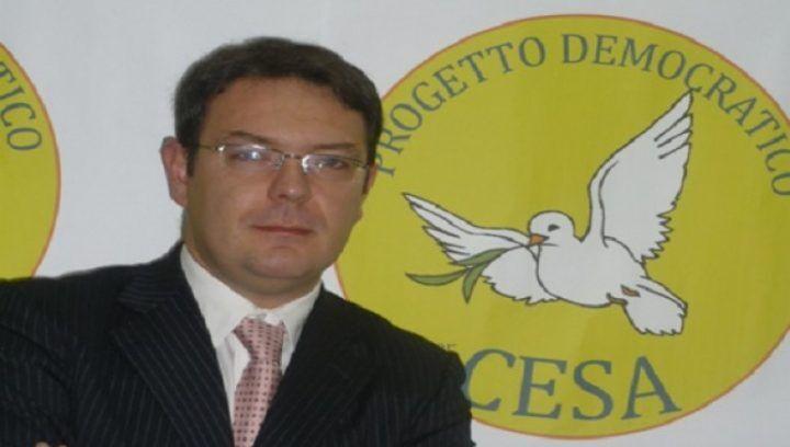 Agro Aversano, misure restrittive per il sindaco: non potrà avvicinarsi alla moglie