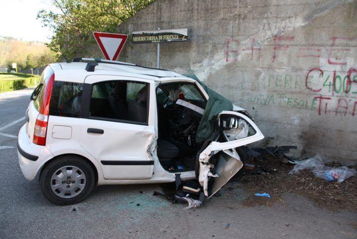 Giugliano, gravissimo incidente su via Arco Sant'Antonio. Ci sono feriti