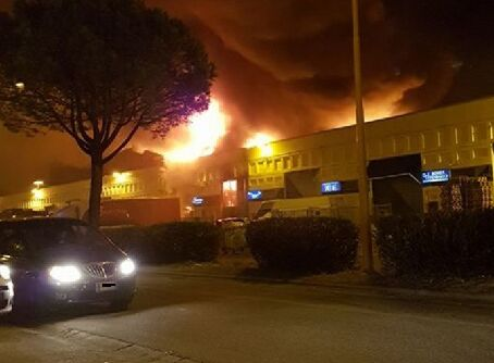 incendio caivano capannoni