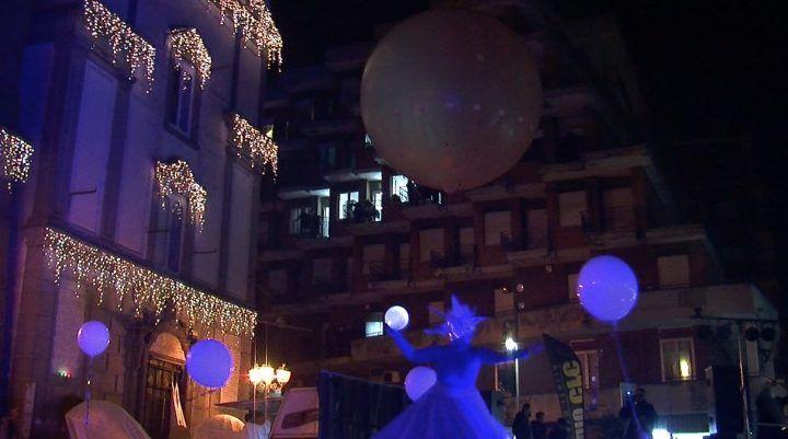 Giugliano Città Natale, suggestioni e divertimento per lo spettacolo della Compagnia dei Folli