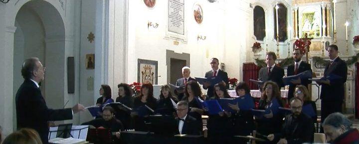 Giugliano, concerto di Natale dell'Accademia Liliarum nella chiesa di Sant'Anna