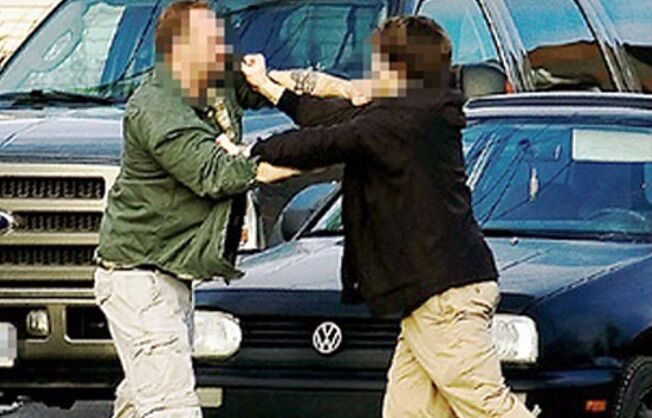 """""""Qua non puoi parcheggiare"""", lite tra automobilisti sfocia nel sangue ad Acerra"""