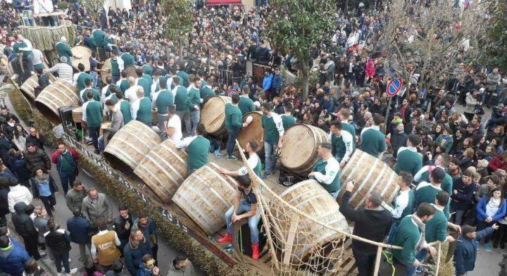 Macerata Campania, al via la festa di Sant'Antuono: presenti circa 1200 bottari