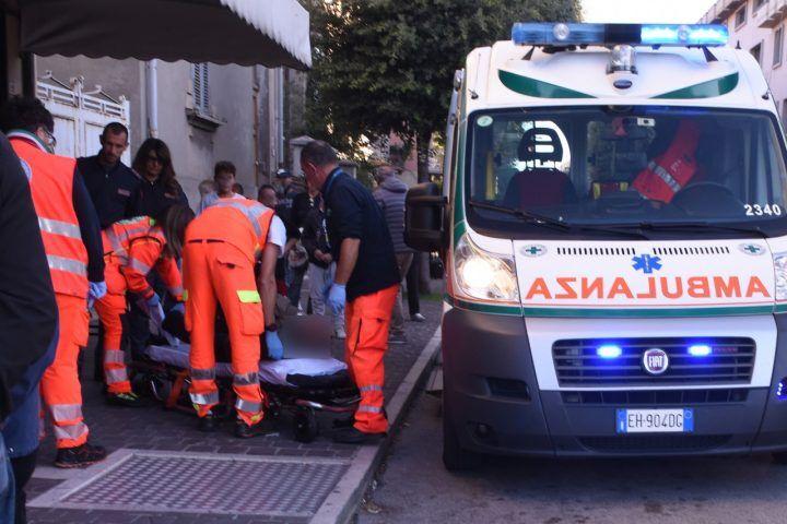 Choc in Campania, si accascia e muore mentre gioca a carte al bar