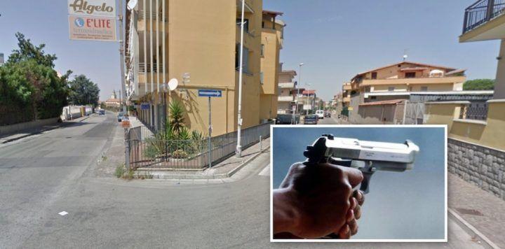 Far west a Giugliano, pistola puntata alla testa: in 3 rapinano coppia di giovani