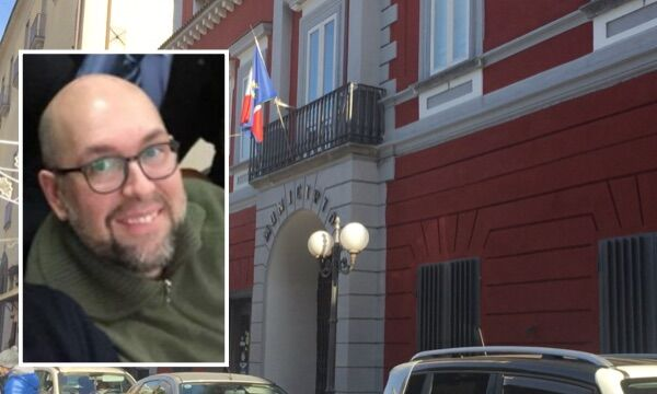 Villaricca, indagato il vicesegretario comunale Fortunato Caso. Denunciato dal consigliere Gianni Granata