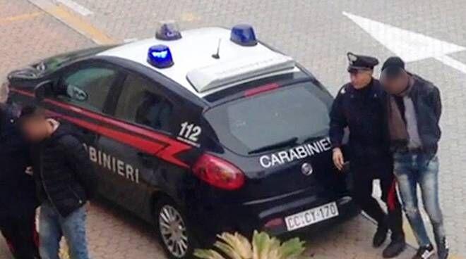 arresti furti d'auto napoli 5 febbraio nomi