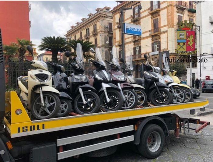 secondigliano motorini sequestrati