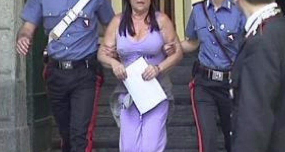 eleonora papa raffaellina esposito arrestate castel volturno truffa poste