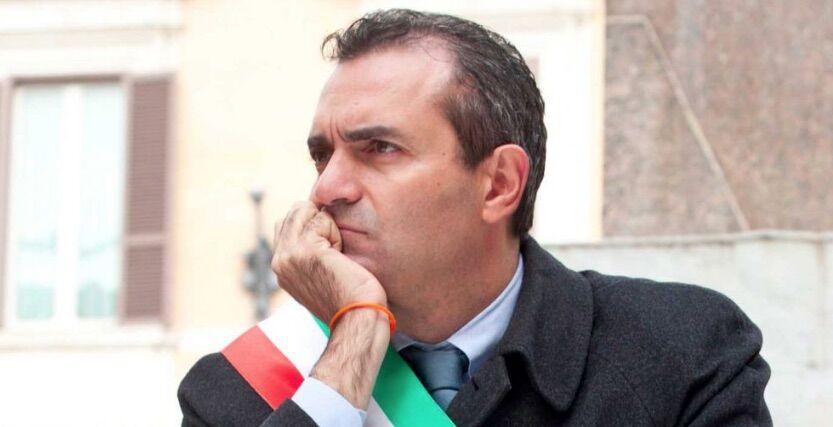 antonio luigi de magistris scambio di nome condannato napoli