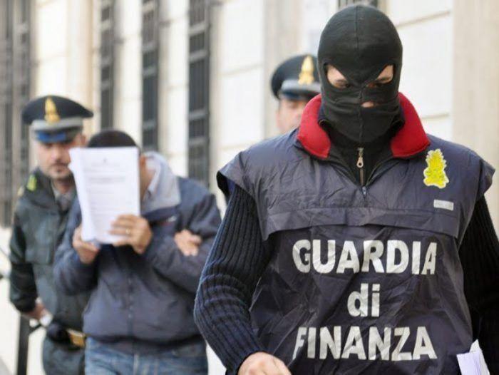 blitz guardia di finanza arresti napoli casalnuovo somma vesuviana 29 maggio