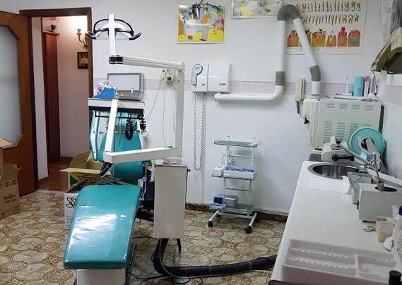 gragnano falso dentista sequestro studio odontoiatrico