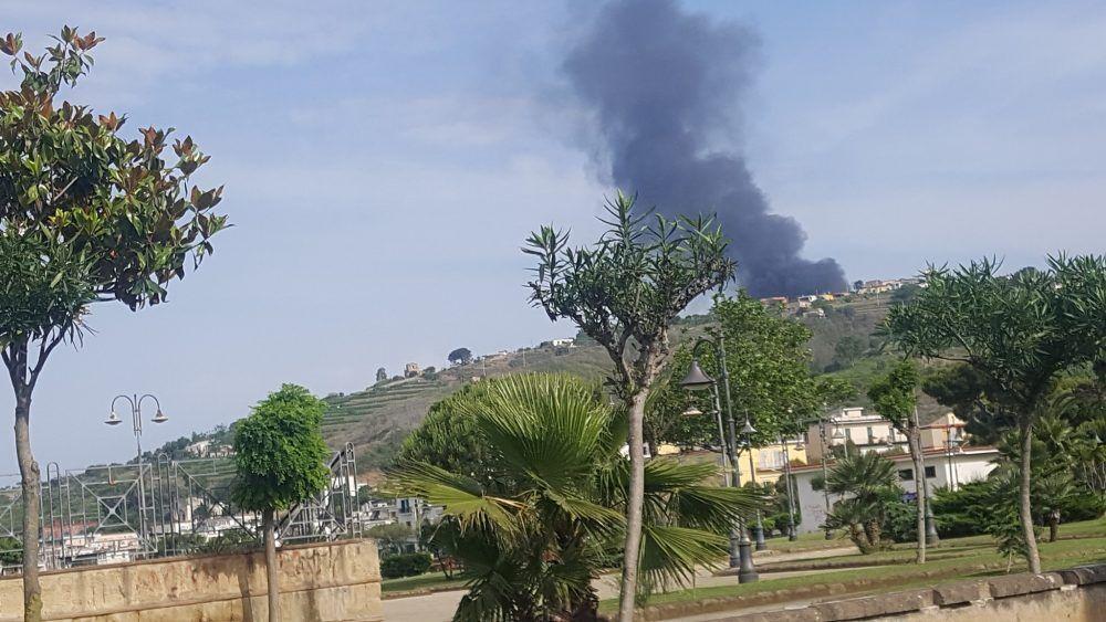 incendio bacoli via bellavista