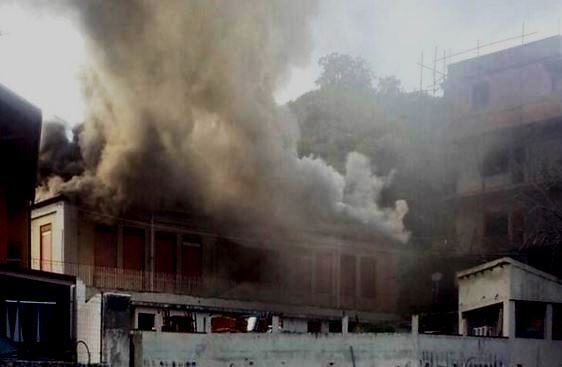 incendio scuola volla