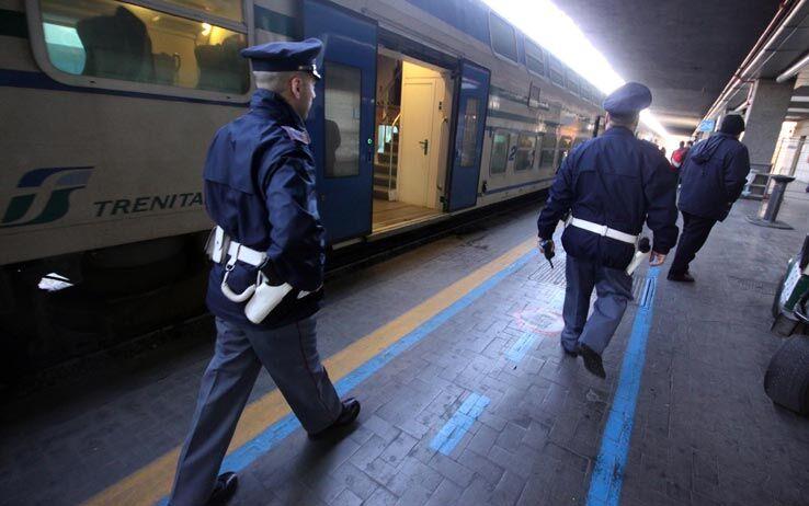arrestati napoli borseggiatori circumvesuviana