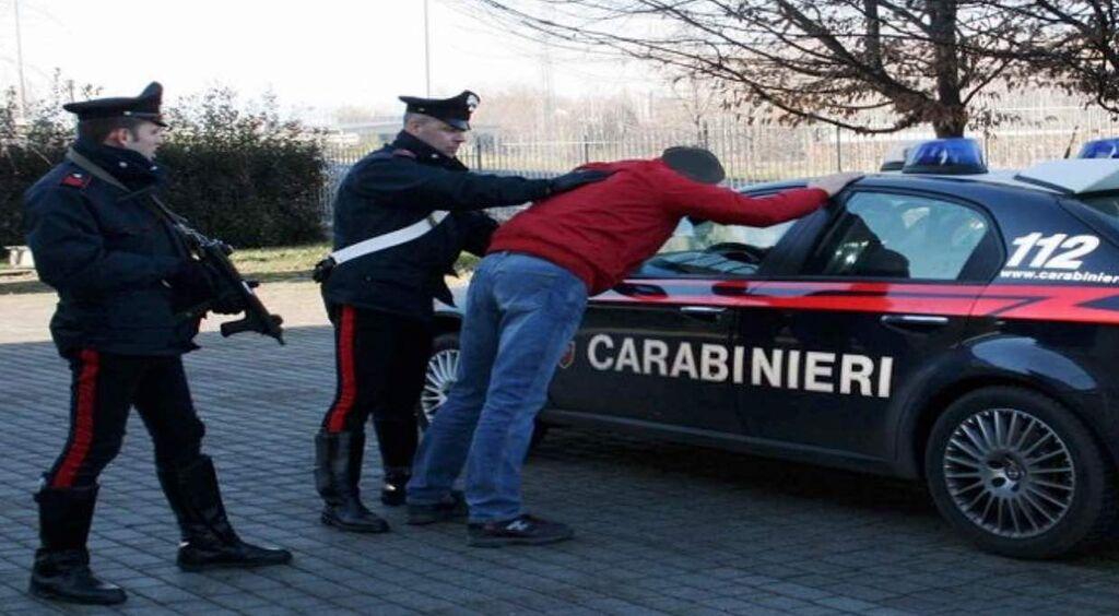 finti carabinieri arrestati mugnano