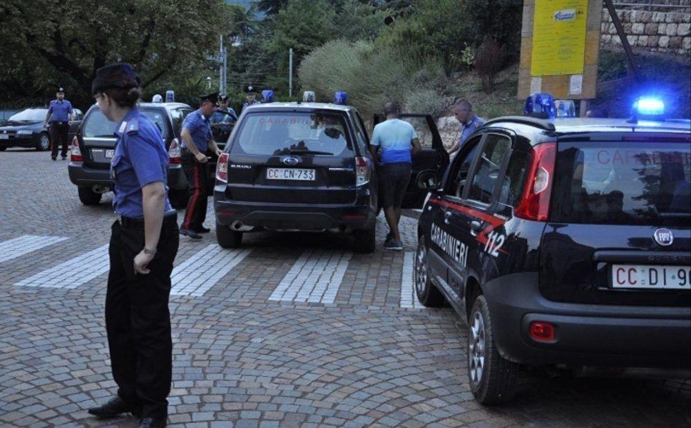 blitz carabinieri boscoreale arresti 18 ottobre