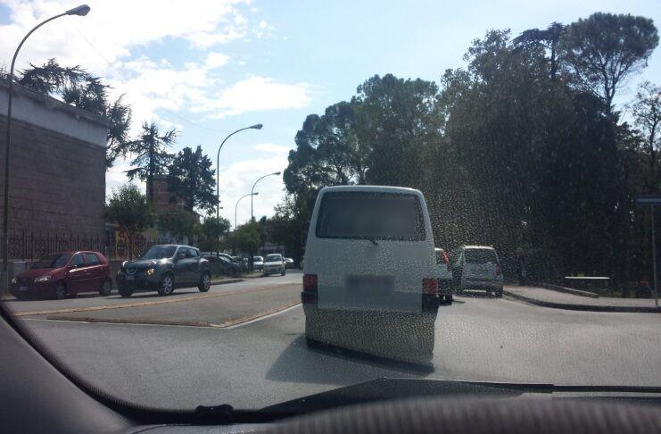 furgone bianco maddaloni