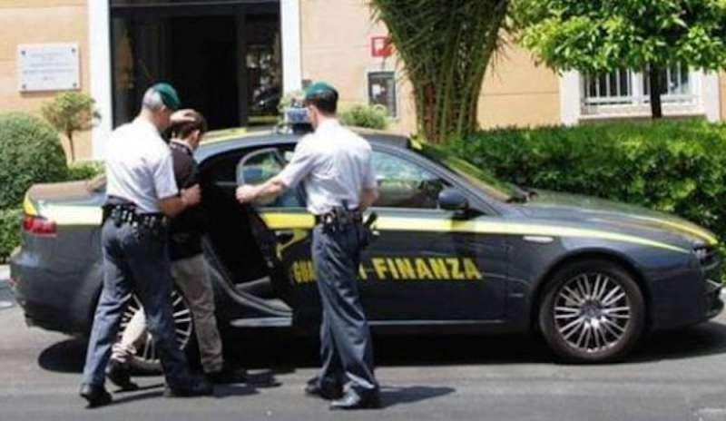 arresti guardia di finanza ospedale del mare appalti truccati