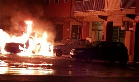 secondigliano incendia auto ex