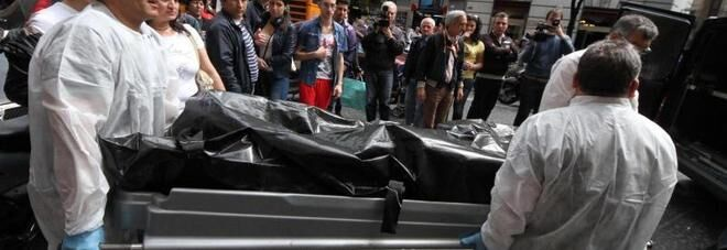 pompei fioraio impiccato morto