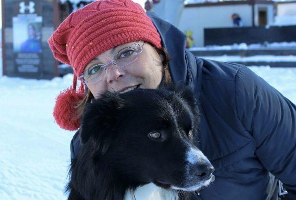 Foto di Karol Grande con il suo cane