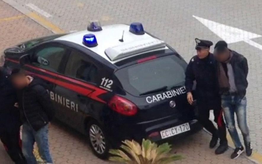 arrestati carabinieri varcaturo fuga