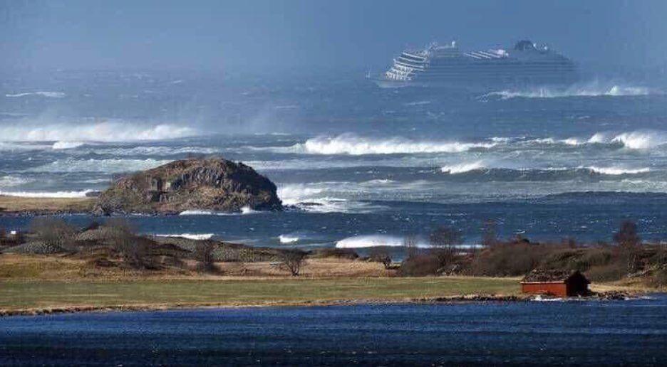 nave crociera avaria norvegia