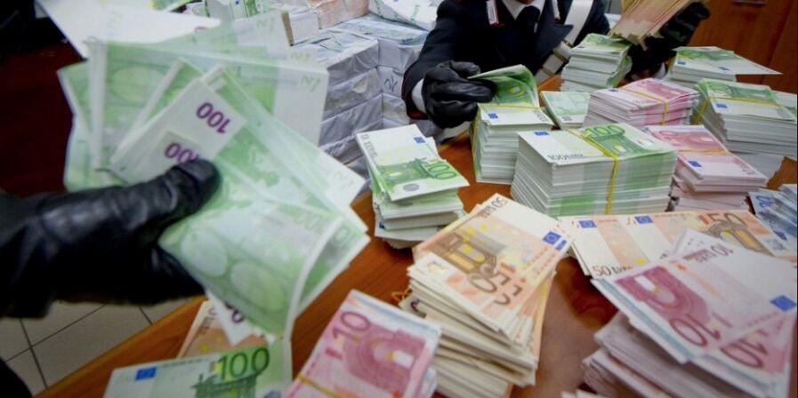 soldi falsi pomigliano d'arco finanza