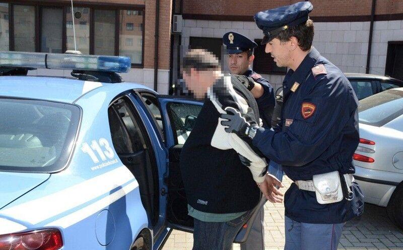 arresti torre del greco ladri appartamento