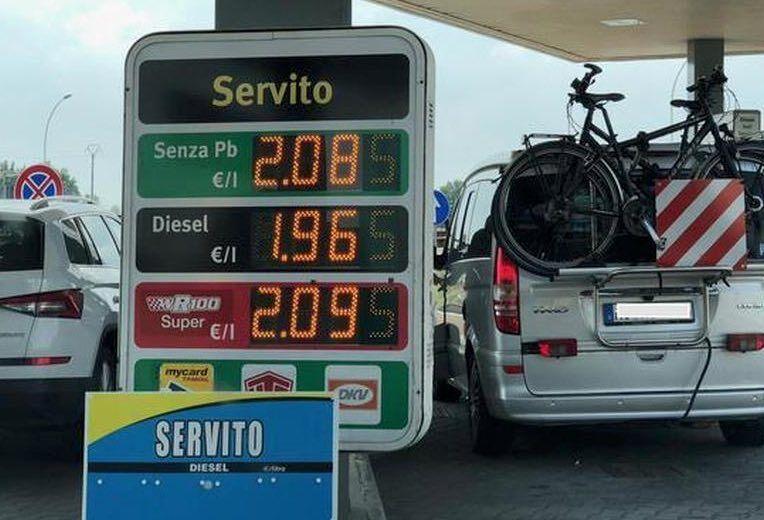 benzina aumento autostrada