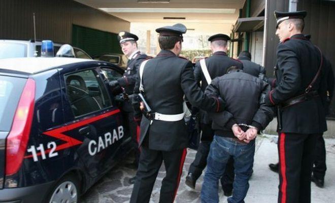 arrestati terzigno bomba via panoramica
