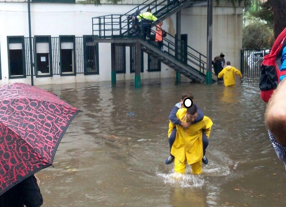 scuole chiuse allerta meteo 16 ottobre napoli campania