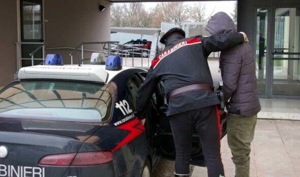 arresto carabinieri arzano 167