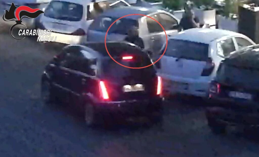 blitz parcheggiatori abusivi napoli