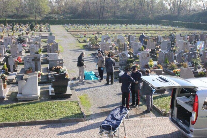 muore cimitero
