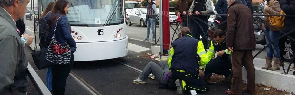 torino morto tram