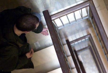 milano bimba cade dalle scale