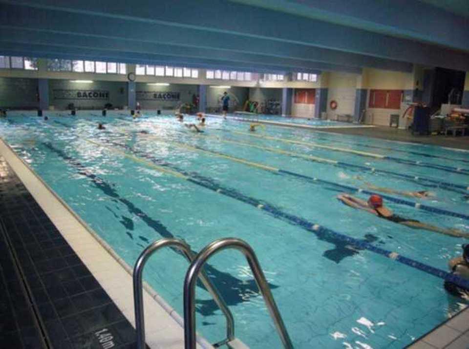 morto milano piscina
