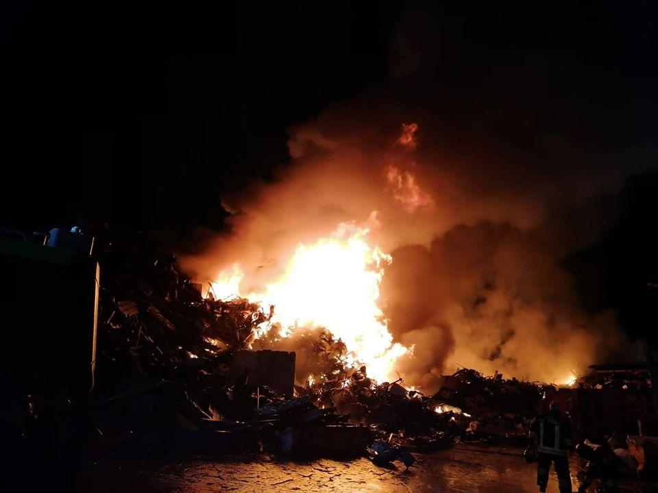 incendio eurometal acerra terra dei fuochi