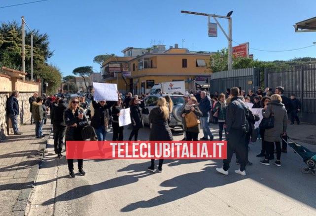 protesta via colonne