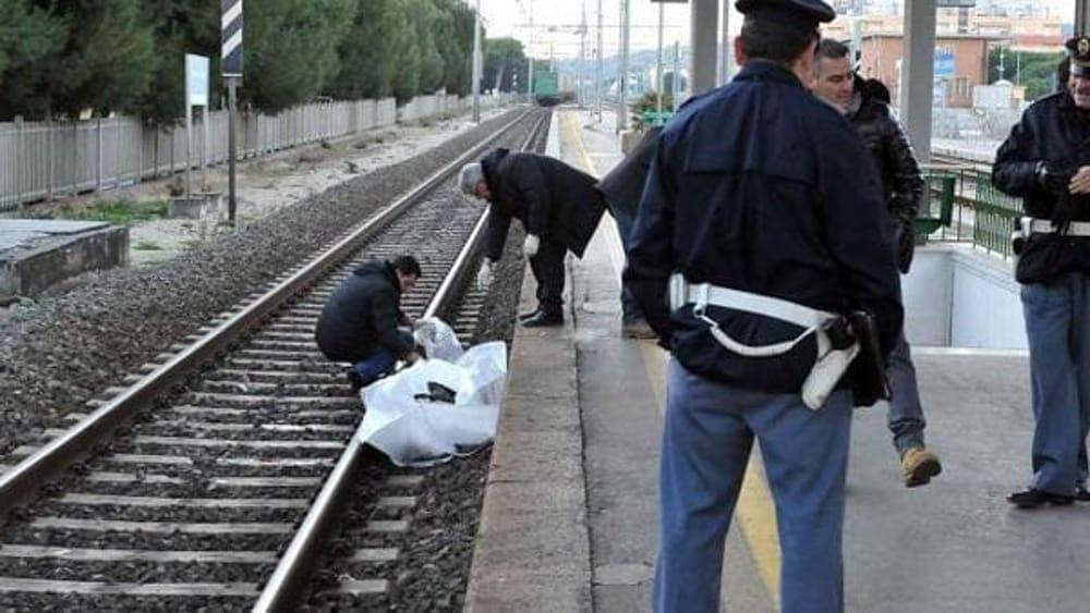 battipaglia sapri ucciso ragazza san varco di eboli treno