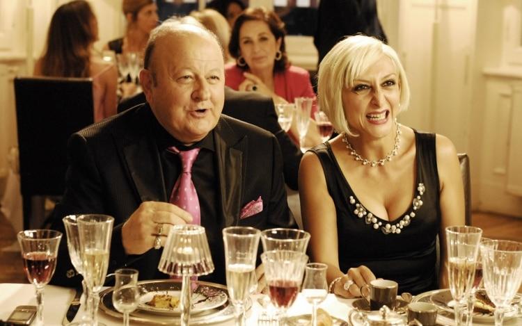 matrimonio a parigi trama cast trailer canale 5 orario