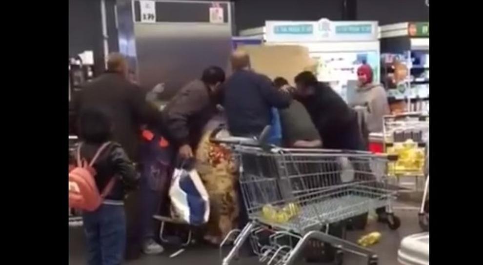 rissa mestre coronavirus supermercato cassa