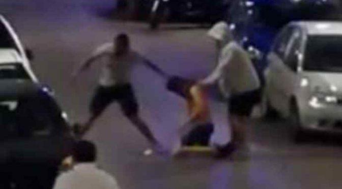 pestaggio napoli 250 euro rapina