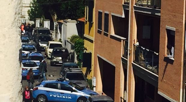 polizia arresti portici droga