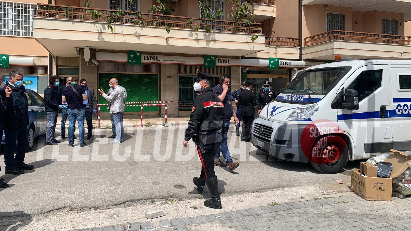 rapina aversa portavalori due feriti